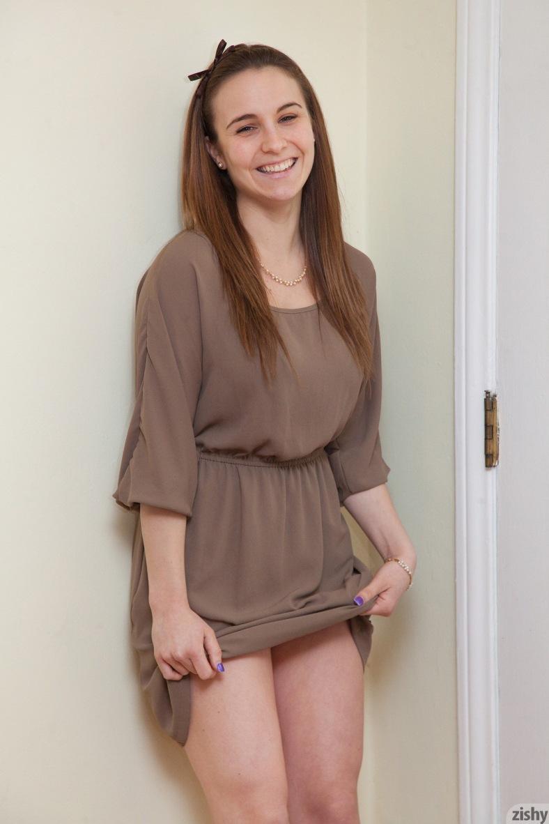 Zishy.com Nina Gitch The Enchanted Hunter (6)
